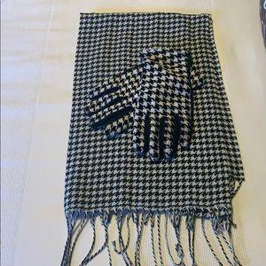 Houndstooth Scarf & Glove Set